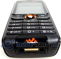 Sony Ericsson W200i: Draufsicht unten