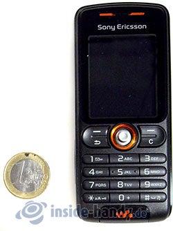 Sony Ericsson W200i: Größenverhältnis