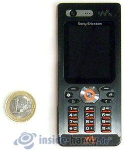 Sony Ericsson W880i: Größenverhältnis