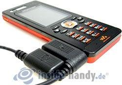 Sony Ericsson W880i: Zubehöranbindung