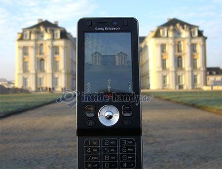 Sony Ericsson W910i: Foto Schloss