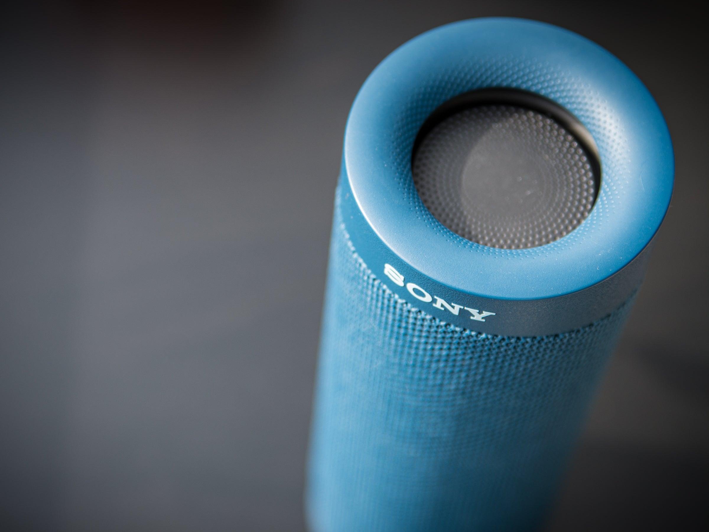 Den Bluetooth-Lautsprecher gibt es in den Farben Rot, Grün, Blau, Taupe und Schwarz.