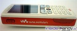 Sony-Ericsson W800i - seitlich liegend
