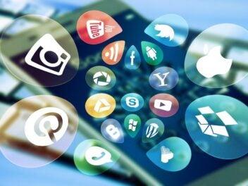 Unterschiedliche App-Icons auf einem Smartphone.