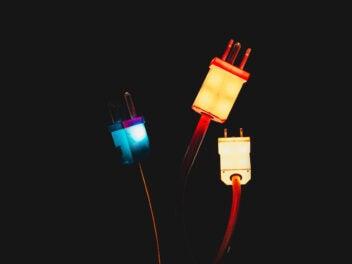 Leuchtende Netzteile