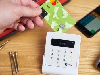 SumUp-Kartenterminal mit Kartenzahlung