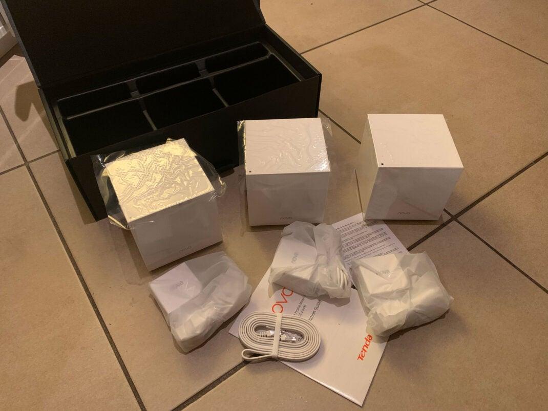 Unboxing: Tenda Nova MW12