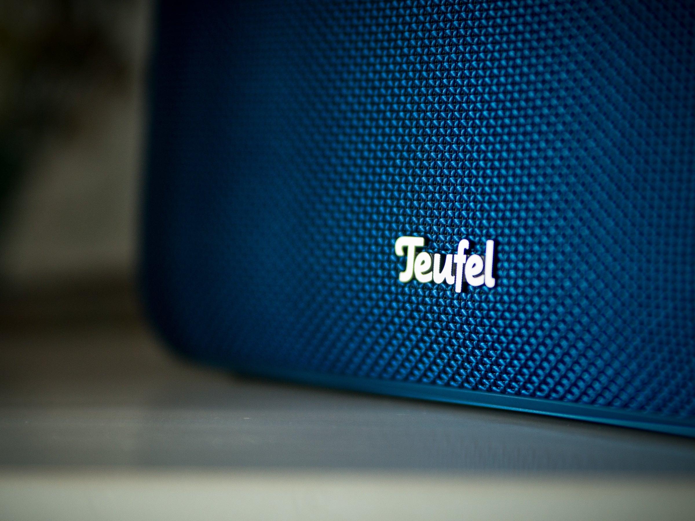 Tolles Design für Wohnzimmer, doch der Lautsprecher hat auch Outdoor-Eigenschaften