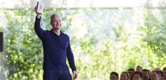 Tim Cook präsentiert das Jubiläums-iPhone
