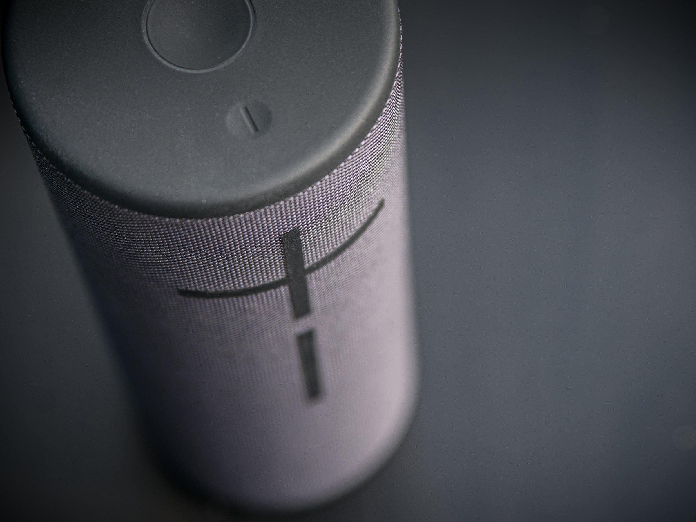 Der UE Megaboom 3 liefert zwar 360° Klang, der Sound könnte aufgrund der Größe aber besser sein