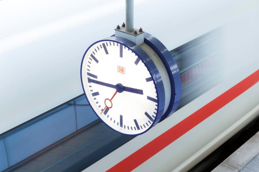 Uhr Deutsche Bahn