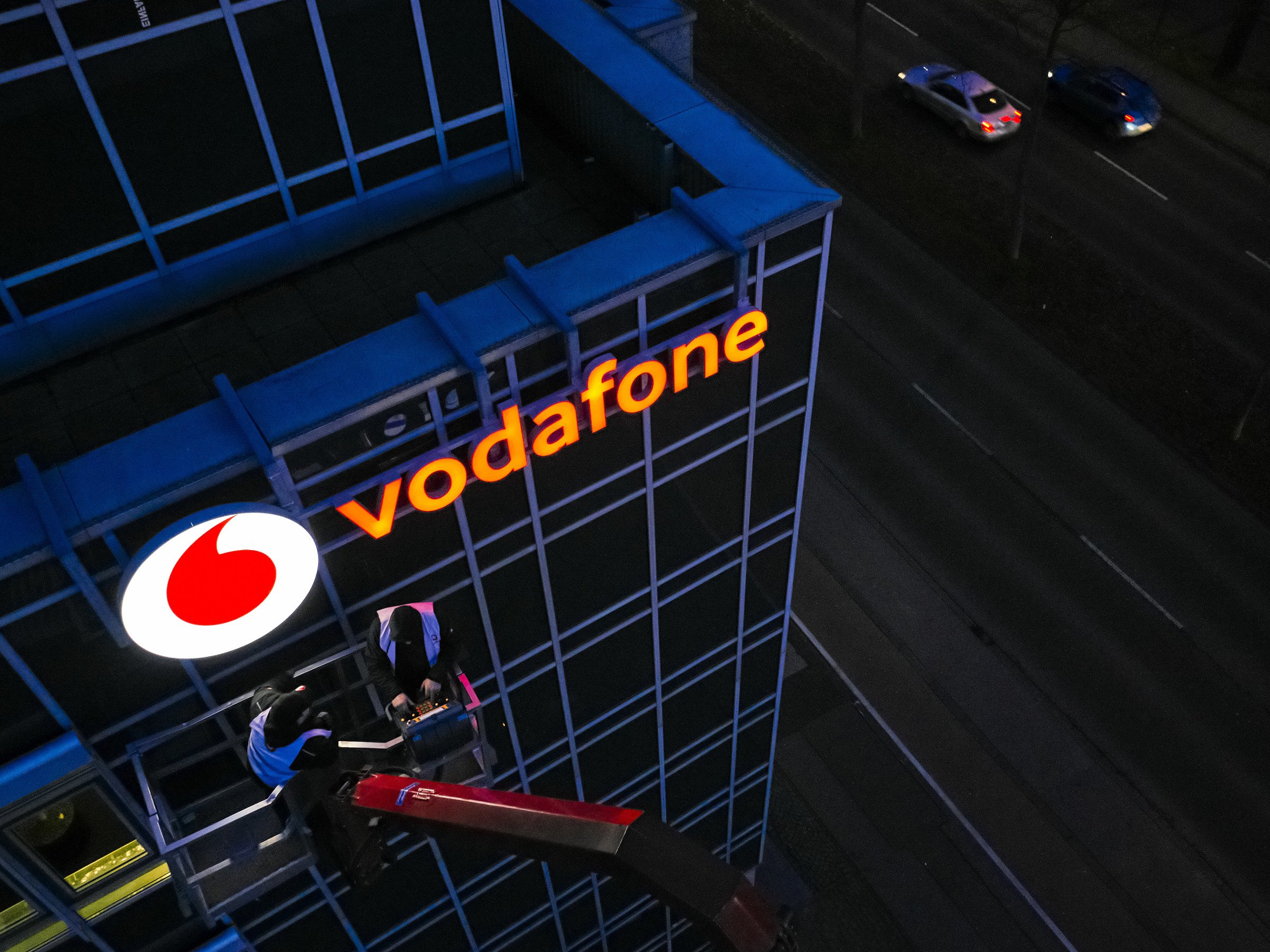 Ex Vodafone Mitarbeiter packt aus So funktioniert die Kunden Abzocke