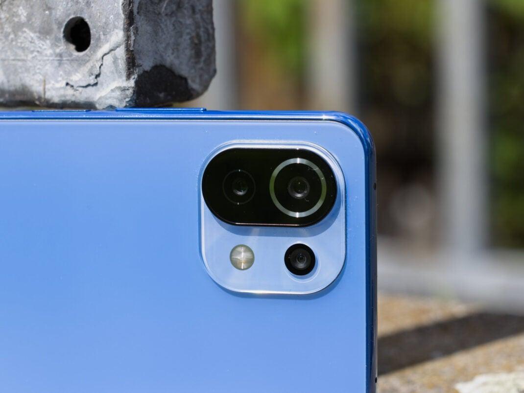 Das Kamera-Modul steht nur minimal aus dem Gehäuse hervor