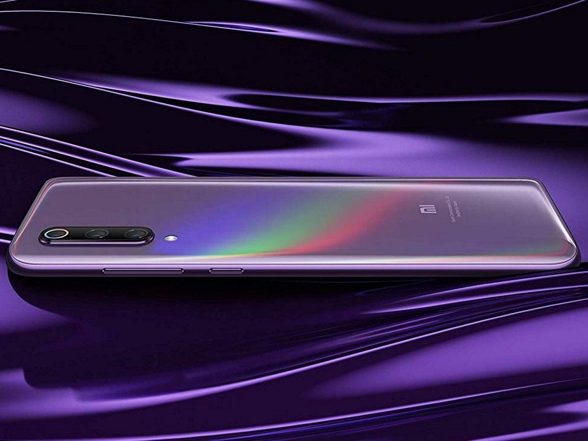 Xiaomi Mi 9 in der Farbe Lavendel.