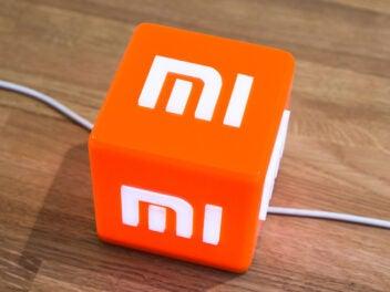 Xiaomi Mi Logo auf einem Würfel