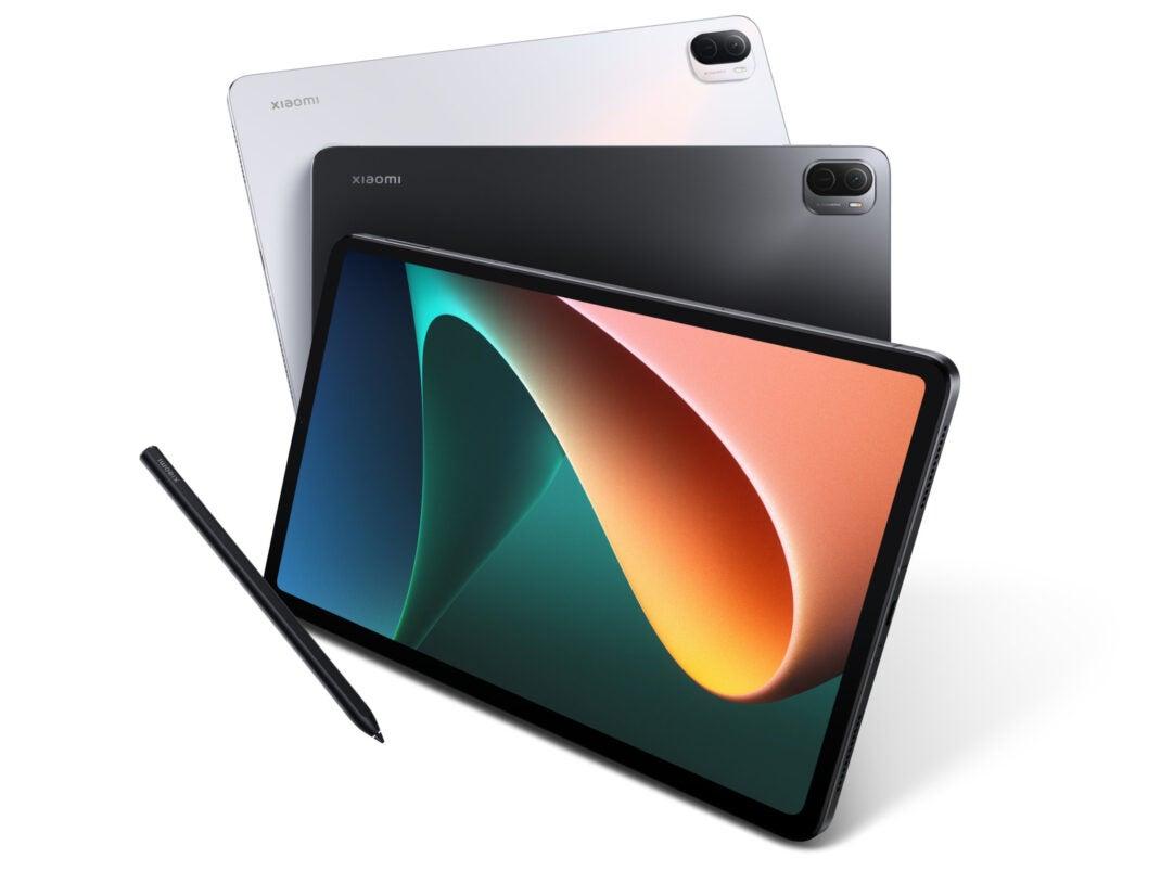 Das Xiaomi Pad 5 in den beiden Farben Schwarz und Weiß