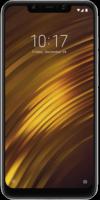 Das Xiaomi Pocophone F1 in der Frontalansicht auf weißem Grund.